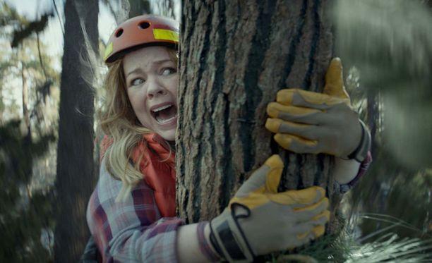 Koomikko Melissa McCarthy nähtiin yhdessä Super Bowl -mainoksessa onnettomuusalttiina ympäristösoturina.