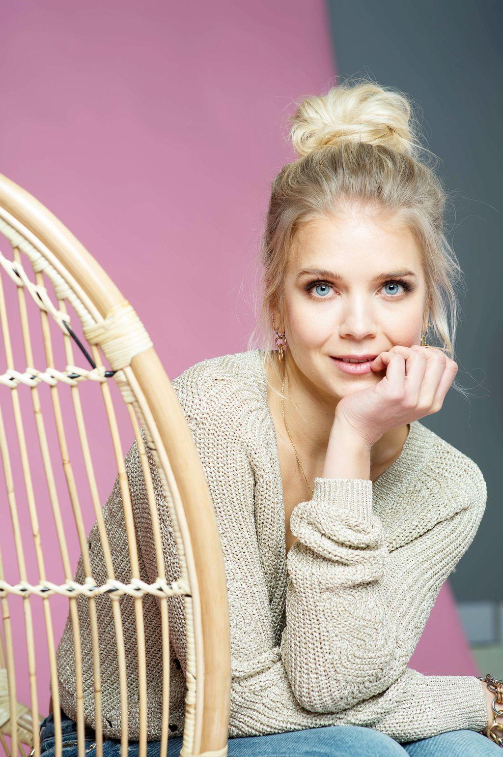 """Ex-missi Lotta Näkyvä viettää pyhät sisarustensa kanssa: """"Olen uskovainen, joten pääsiäinen on ehdottomasti tärkeä juhla"""""""