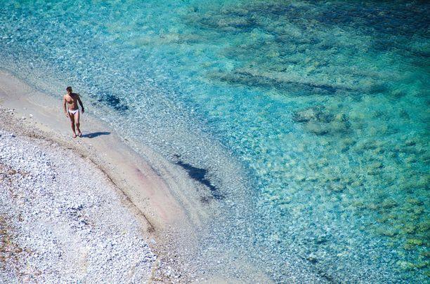 Sisilian rannoilla voi paistatella mainiosti päivää vielä alkusyksystä.