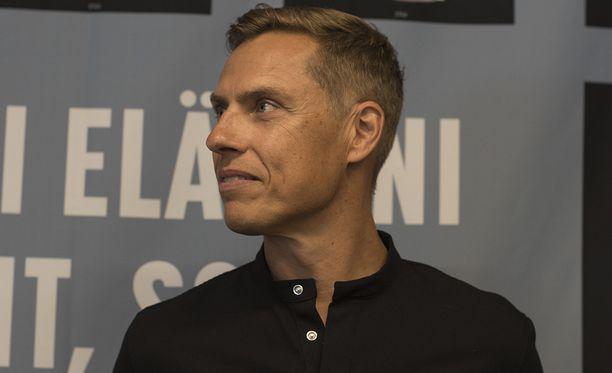 Stubb pysähtyi myös Iltalehden haastattelussa muistelemaan hetkeä, jolloin äiti halasi häntä viimeisen kerran.