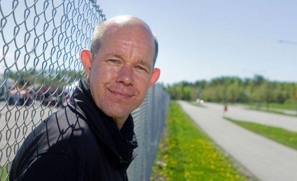 Urheilutoimittaja Kaj Kunnas sai ikävän palautteen viikonloppuna.