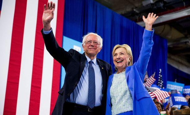 Hillary Clintonin ja Bernie Sandersin tukijat johtavat demokraattipuolueen uutta yhtenäisyystoimikuntaa.