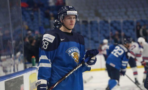 Henri Jokiharju edusti Suomea vuodenvaihteessa alle 20-vuotiaiden MM-kisoissa.