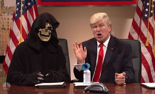 Alec Baldwin (oik) on näytellyt Donald Trumpia SNL-sketsiohjelmassa jo useaan kertaan.