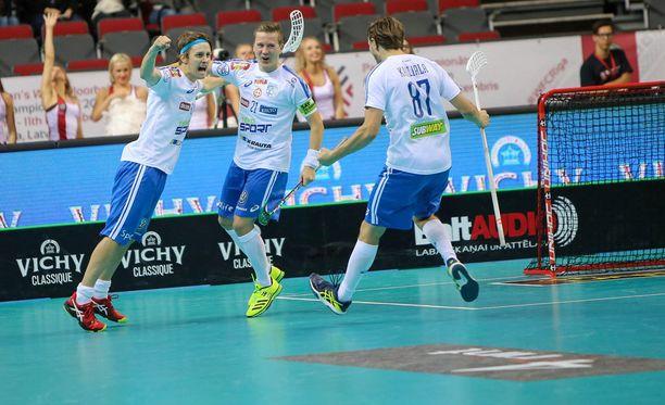 Suomen miesten salibandymaajoukkue palasi kultakantaan.