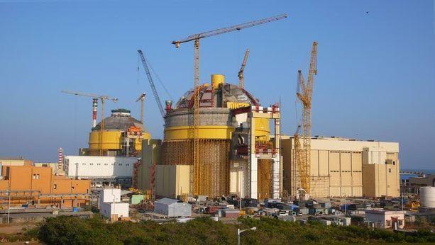 Kudankulamin ydinvoimala Intiassa on kärsinyt useista vaikeuksista.