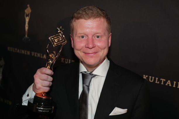Kyläkauppias Sampo Kaulanen oli vuosi sitten ikionnellinen voitettuaan Vuoden esiintyjä -Venlan.