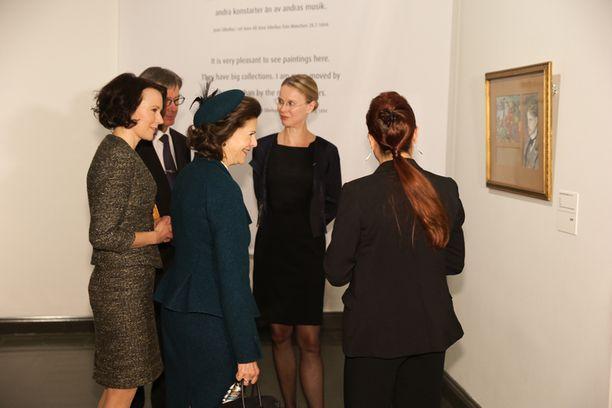 Haukio ja kuningatar vierailivat tänään myös Ateneumin taidemuseossa.