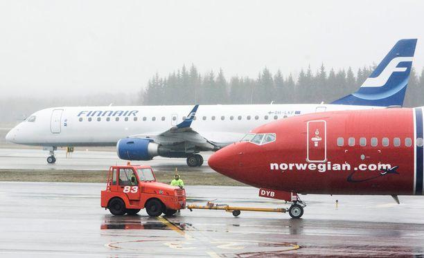 Finnairia auttaa se, että säästöneuvottelut on jo tehty. Pienellä Norwegianilla on fokus kateissa.