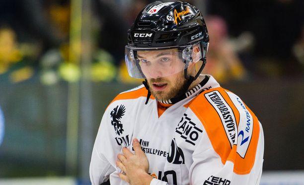 Jarkko Malinen kiekkoilee loppukauden HIFK:ssa.