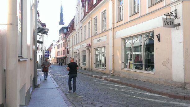 Tarkkaamattomuus voi käydä turistille kalliiksi Tallinnassa.