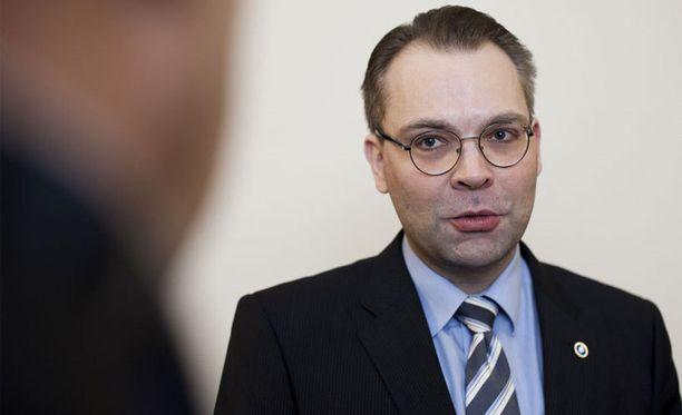 Kansanedustaja Jussi Niinistö on löytänyt uuden rakkaan.