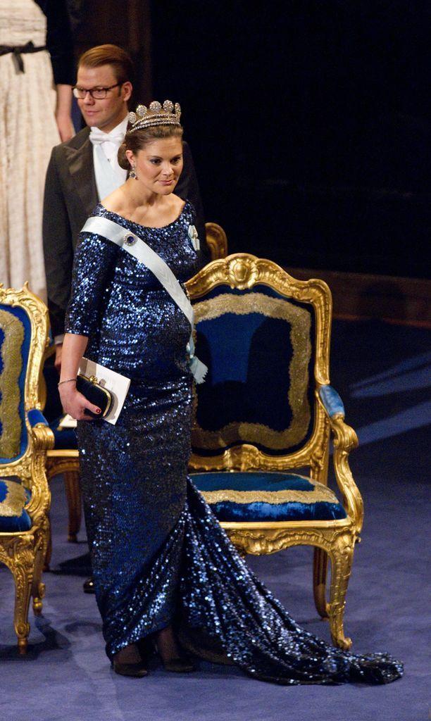 Kruununprinsessa Victoria odotti prinsessa Estelleä vuonna 2011.