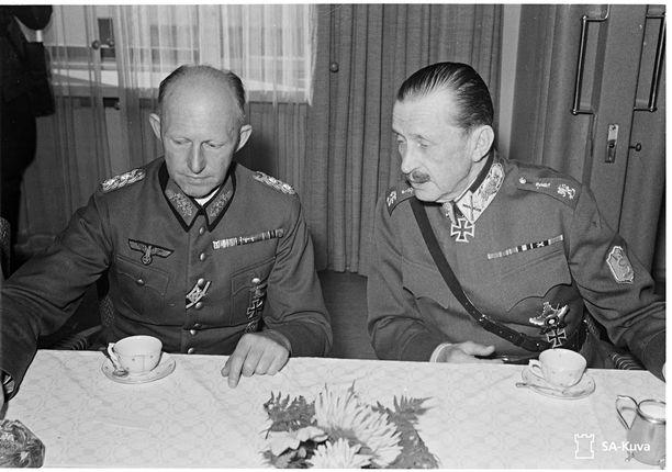 Sotamarsalkan lounas saksalaiselle kenraali Jodlille Mikkelissä syyskuussa 1941.