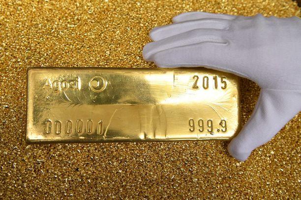 Kiinalaismies vaihtoi kullan rahaksi ja joutui varkauden uhriksi keskellä päivää Tokiossa maanantaina. Arkistokuvassa 12,5 kilon kultaharkko.