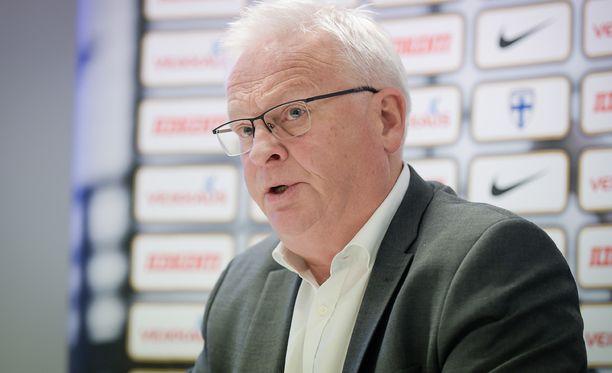 Hans Backe ei jatka Huuhkajien päävalmentajana MTV:n tietojen mukaan.