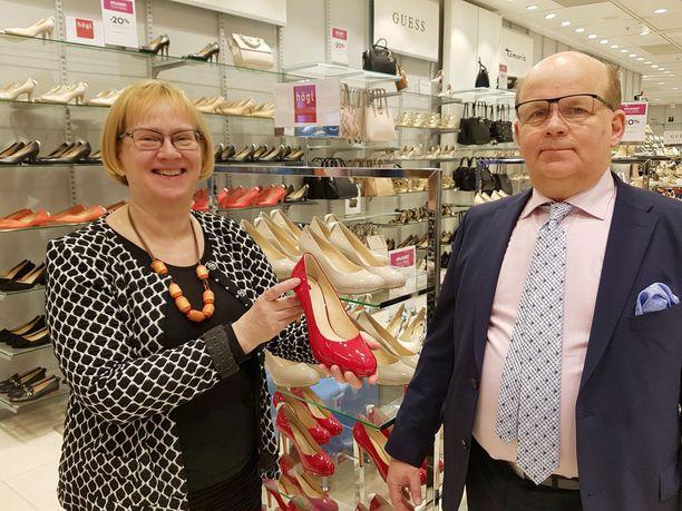 Sisarusten Liisa ja Pekka Halosen luotsaaman vaatekauppa Halosen uusin myymälä avattiin kauppakeskus Ratinaan Tampereelle.