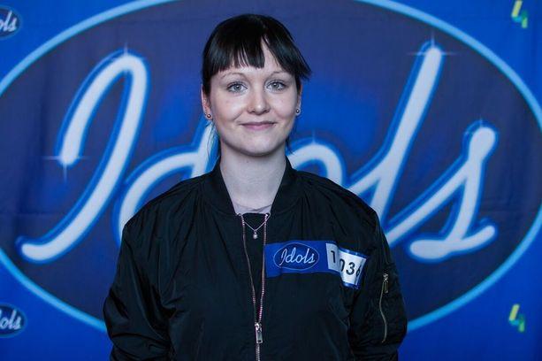 Anniina Timonen oli juuri muuttanut Lappeenrannasta ensimmäiseen omaan asuntoonsa Helsinkiin, kun Idolsin kuvaukset alkoivat.