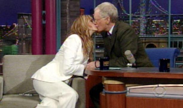 Julia Roberts ja David Letterman imuttelivat katsojien riemuksi kunnolla.