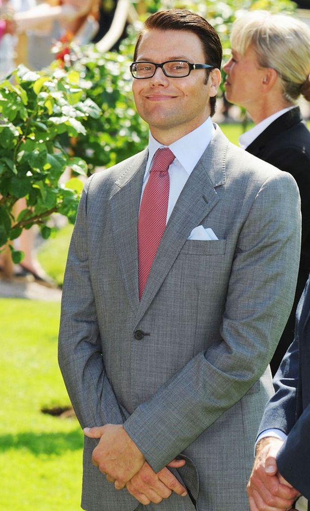 KANSAN SUOSIKKI Neljä viidestä ruotsalaisnaisesta pitää Daniel Westlingiä hyvänä tai erittäin hyvänä prinssinä. Miehistä samaan uskoo hieman yli puolet.