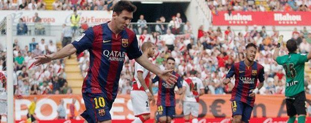 Lionel Messi juhlii voittomaaliaan Vallecasissa.