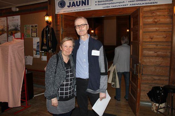 Elokuvan Liesjärvestä tehnyt Jussi Alanko vaimonsa Marja-Liisan kanssa.