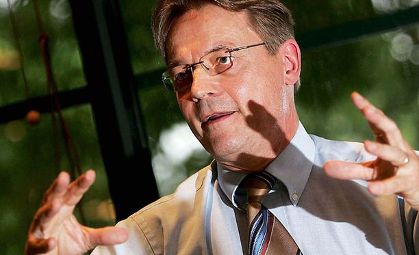 Timo T.A. Mikkonen on ollut sairaalassa kohta kolme viikkoa.