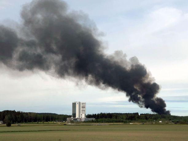 Tulipalosta syntyy vaarallista savua.