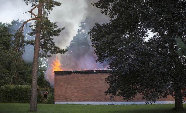 Paritalo syttyi tuleen Kouvolassa.