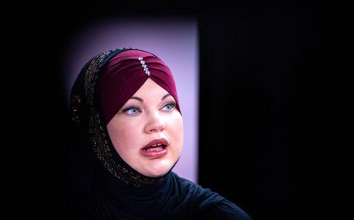 """Maryam on elänyt 20 vuotta muslimina Helsingissä, kohtaa avointa syrjintää vasta nyt: """"Se lisääntyi perussuomalaisten nousun myötä"""""""