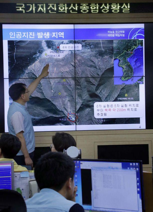 Eteläkorealaisasiantuntijat esittelivät Pohjois-Korean viimeisintä ydinkoetta ja sen aiheuttamaa maanjäristystä tuoreeltaan syyskuussa.