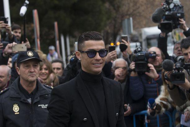 Cristiano Ronaldo saattoi verokäräjänsä päätökseen Madridissa.