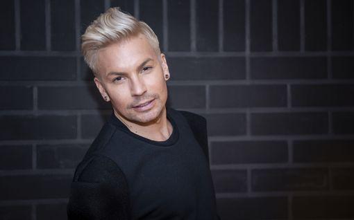 Antti Tuisku palaa keikkatauolta Emma Gaalan lavalle: Kuullaanko kohauttanut Jeesus-kappale ja nähdäänkö laulaja alasti?
