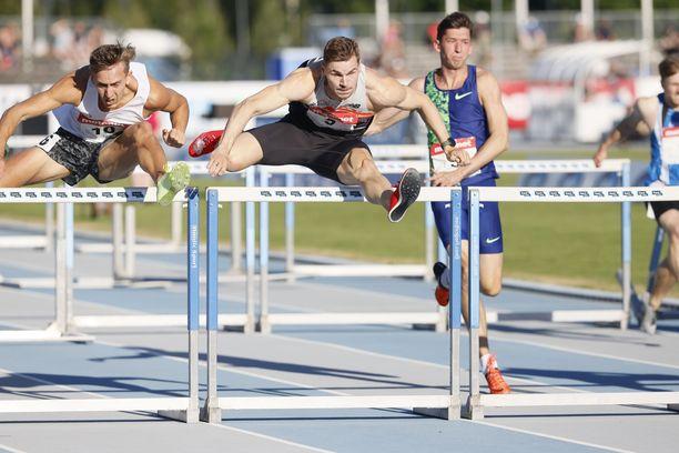 Elmo Lakka sijoittui kolmanneksi Espoo GP:n 110 metrin aitafinaalissa tuloksella 13,53.