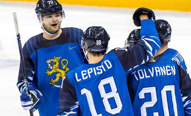 Eeli Tolvasen tähdittämä Suomi pelaa lohkovoitosta Tre Kronoria vastaan.