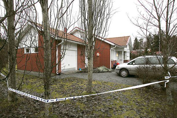 Jukka S. Lahti sai surmansa perheen kotona Ulvilassa joulukuussa 2006.