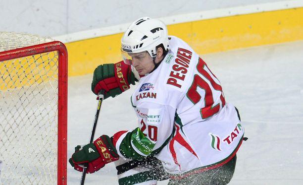 Janne Pesonen on nyt vapaa etsimään itselleen uuden työnantajan.