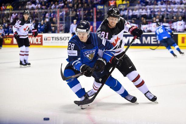 Puolustaja Henri Jokiharju on Leijonien tehokkain NHL-pelaaja kerättyään runkosarjassa saldon 0+12.