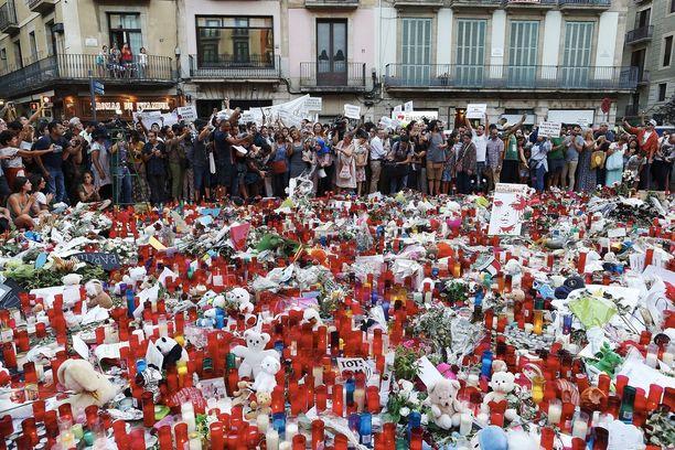 Barcelonan ja Cambrilsin iskuissa kuoli 15 ihmistä.