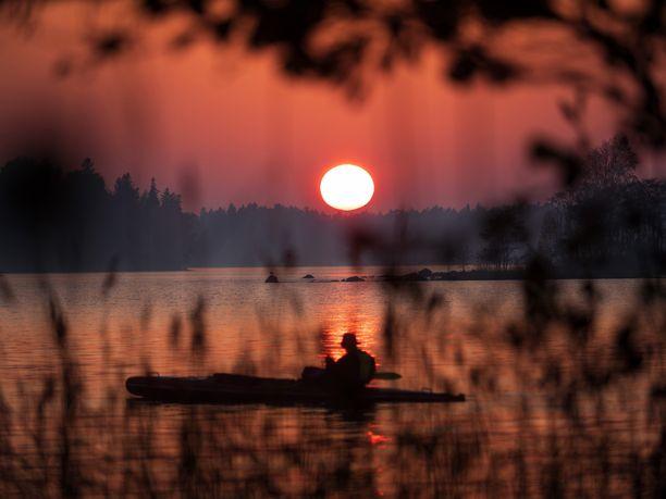 Kotimaassa matkaillaan paljon. Suomen lukuihin on tosin laskettu mukaan sukulais- ja mökkireissut.