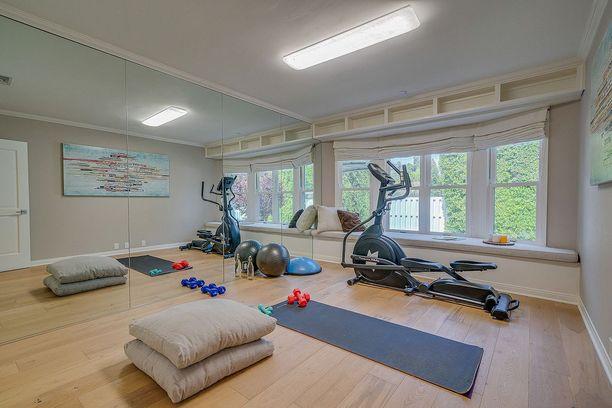 Oma kuntoiluhuone helpottaa kiireistä arkea.