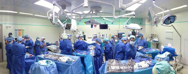 Tältä näytti leikkaussalissa hetkeä ennen operaation aloittamista.