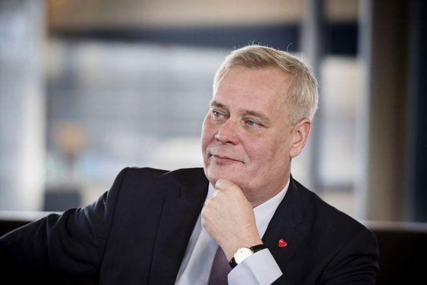 SDP:n puheenjohtaja Antti Rinne vie puolueensa pääsiäisen viettoon gallup-ykkösenä.