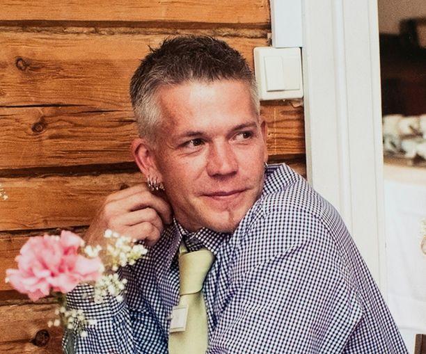 Petri Salonen kuoli 29. joulukuuta 2014. Salla Salonen on Petrin ex-puoliso. Heillä on kaksi lasta. Eron jälkeenkin Petri ja Salla pysyivät läheisinä ystävinä.