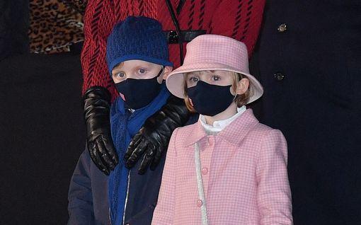 Monacon prinsessa Gabriella, 6, varasti show'n: Sytytti venettä soihdulla, kaksoisveli katseli tumput suorina