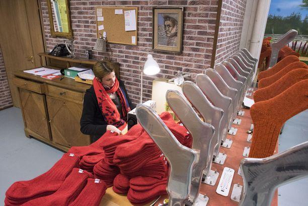 Suomen ainoa villasukkatehdas valmistaa vain ja ainoastaan villasukkia.
