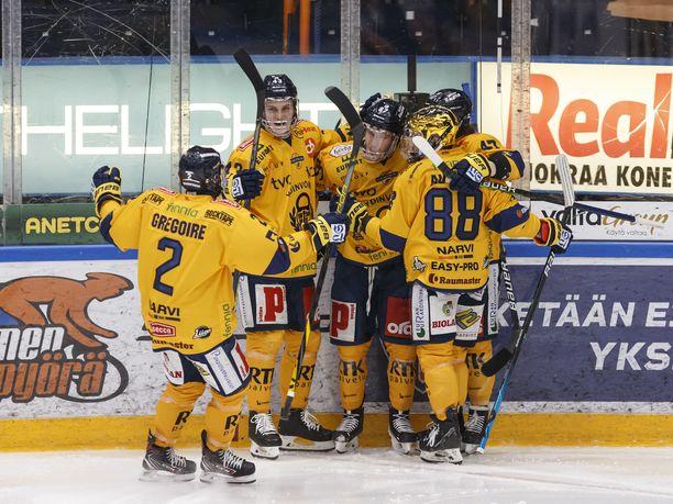 Lukko aloitti ottelun vahvasti Tampereella.