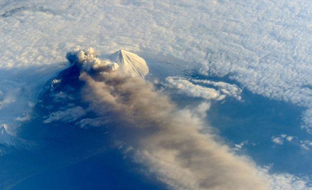 Kuva Etna-tulivuoren purkauksesta toukokuussa 2013. Tämä kuva ei ole Arnoldin käsialaa.