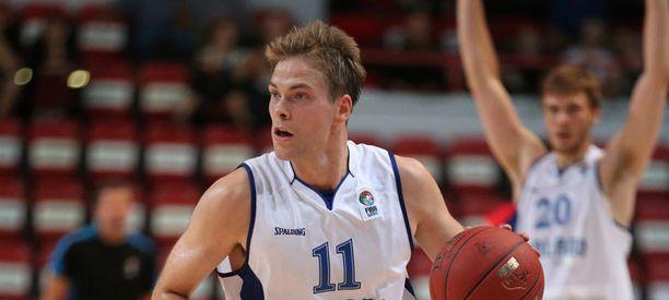 Petteri Koponen valittiin vuoden koripalloilijaksi neljättä kertaa.