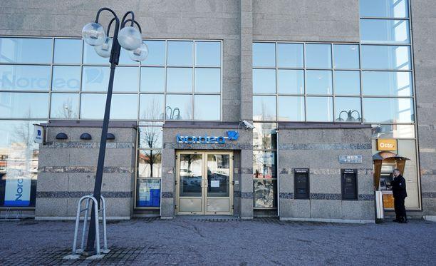 Nurmijärvellä ryöstettiin maanantaina pankki.